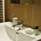 holiday villa rentals. panorama-bello-bathroom