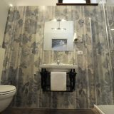 Villa 5 Detail of the bathroom. weddings tuscany