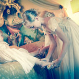 bridemaid-and-flowergirl-in-the-wedding-suite-at-villa-san-crispolto