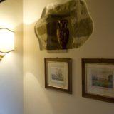 Wall cavity with antique vase. wedding villa tuscany