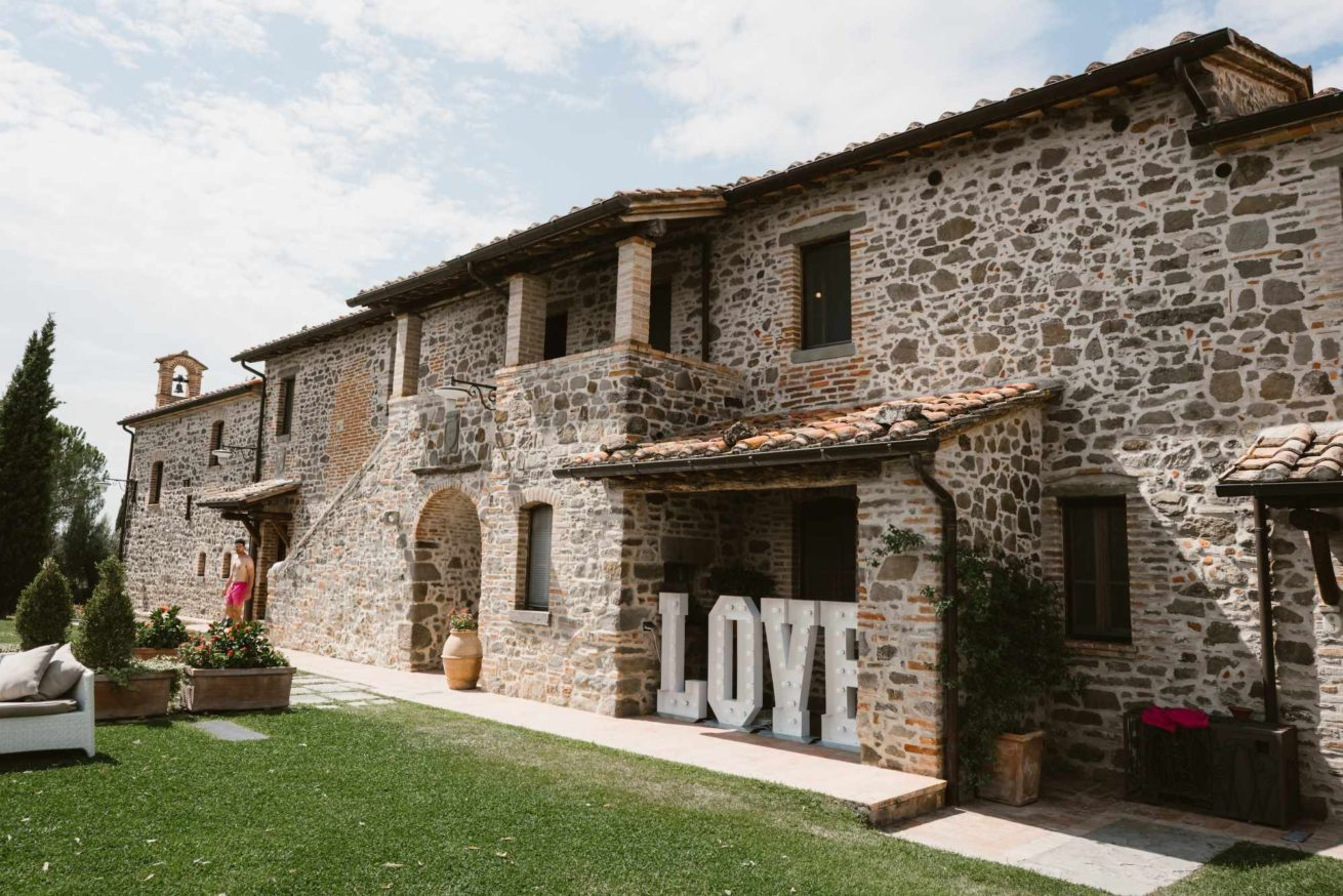 Side view of Wedding villas Italy San Crispolto.