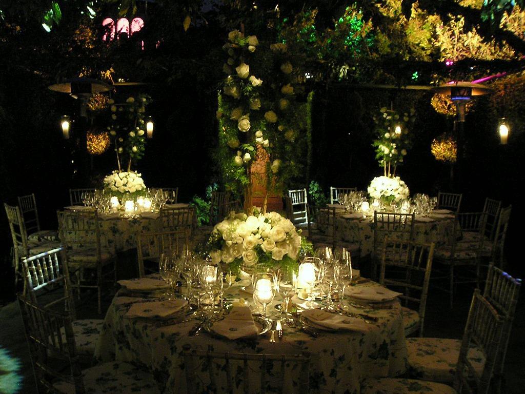 Marquee wedding ideas. Night garden wedding at Villa San Crispolto