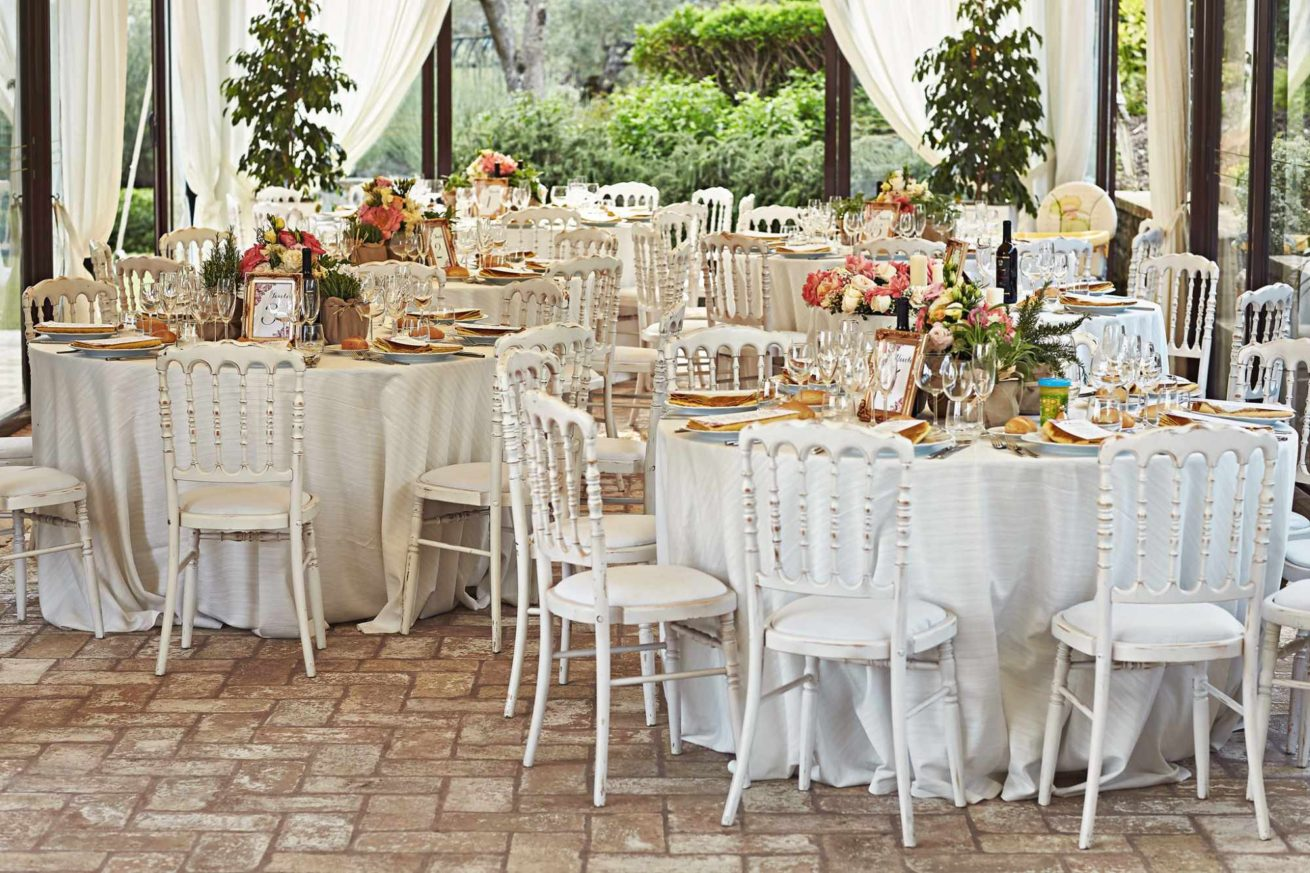 Outdoor Wedding Villa Italy. the-marquee-can-reflect-different-themes-as-per-each-brides-taste