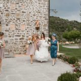 Bride, mother of the bride and bridesmaids ready to go to Cortona for the ceremony