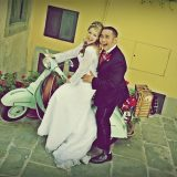 Photo tour for bride & groom including a Vespa tour in Cortona, Tuscany. Elopement Italian Photographer.