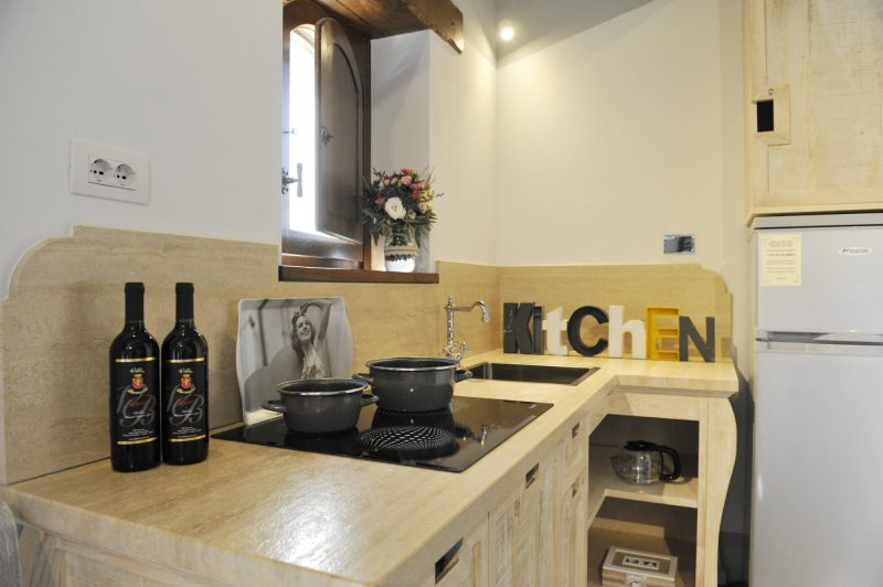 Villa 5 Kitchen area. weddings tuscany