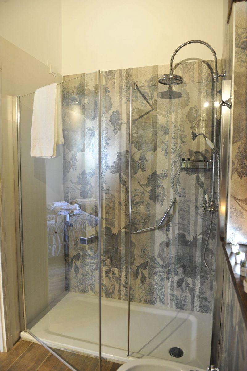 Villa 4 Outdoor bathroom details 2. italy weddings villas