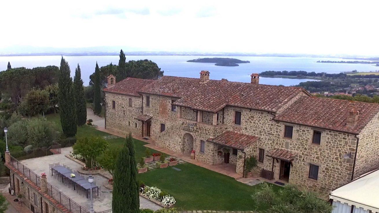 Italy Villa sleeps 30 40 people. The east side of Wedding villas Italy San Crispolto