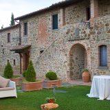 Outdoor wedding venue Villa San Crispolto - Romantic Italian Weddings by Marco Bernasconi 3
