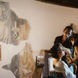 Bride's preparation in the wedding suite at Villa San Crispolto