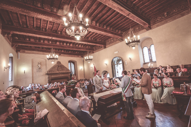 Tuscany Wedding - Cortona Town Hall - Getting married in Italy