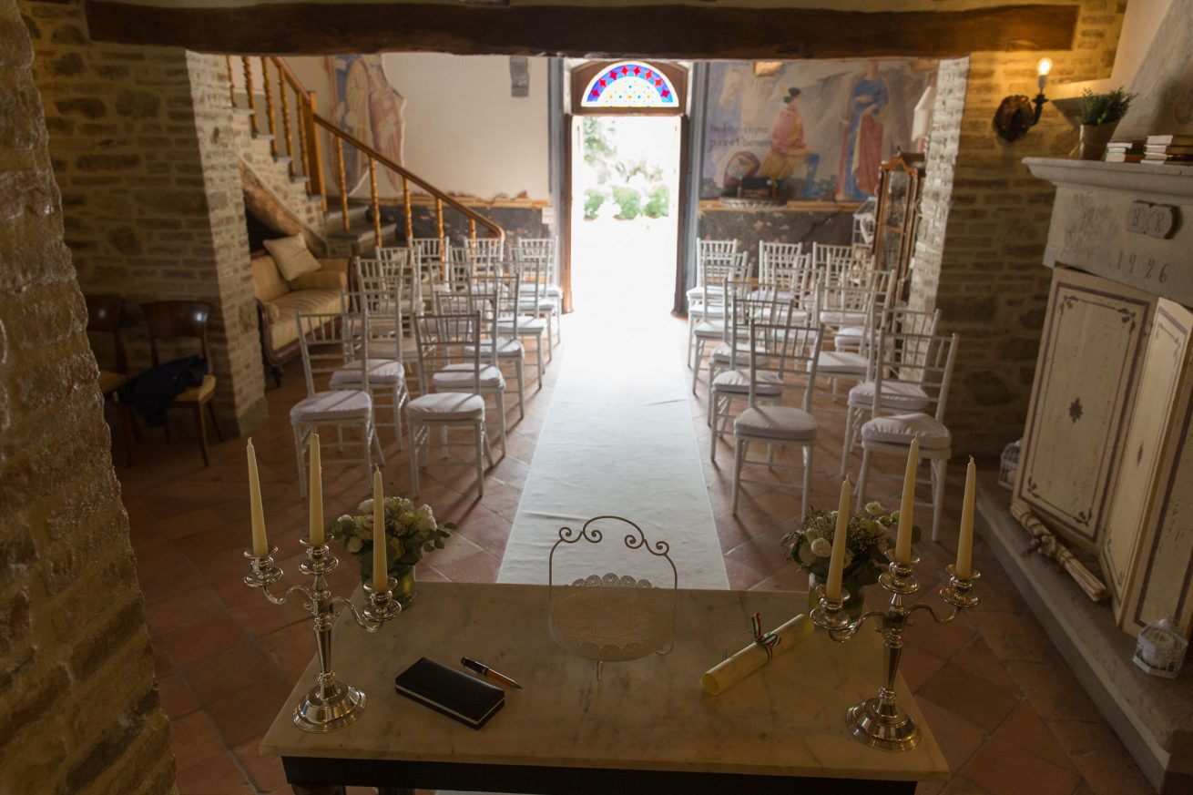 Private Chapel Ceremonies Italy. Villa San Crispolto 17